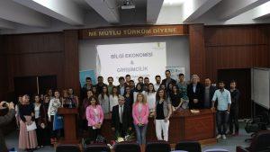 """Girişimcilik Günleri """"Bilgi Ekonomisi ve Girişimcilik"""" etkinliği yapıldı."""